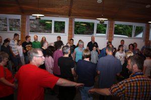 Tanzen in einer Gruppe kann jeder